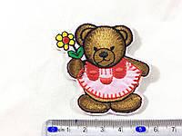 Нашивка Мишка с цветочком