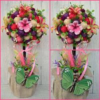 Топиарий с цветами гортензии и орхидеи
