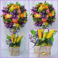 Топиарий с цветами гортензии и первоцветом