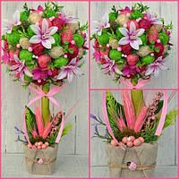 Топиарий с цветами первоцветом и глицинией