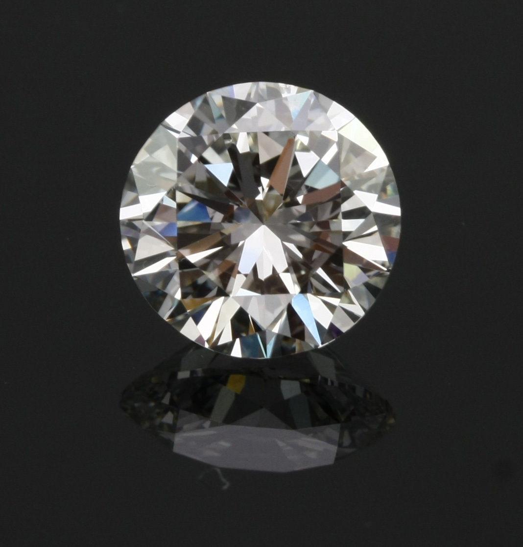 Камень Crystal Carbon ( кристалл карбон ) 2CT