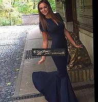 Вечернее платье в пол с вырезом  декольте