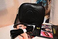Стильная черная сумка на ремешке через плечо