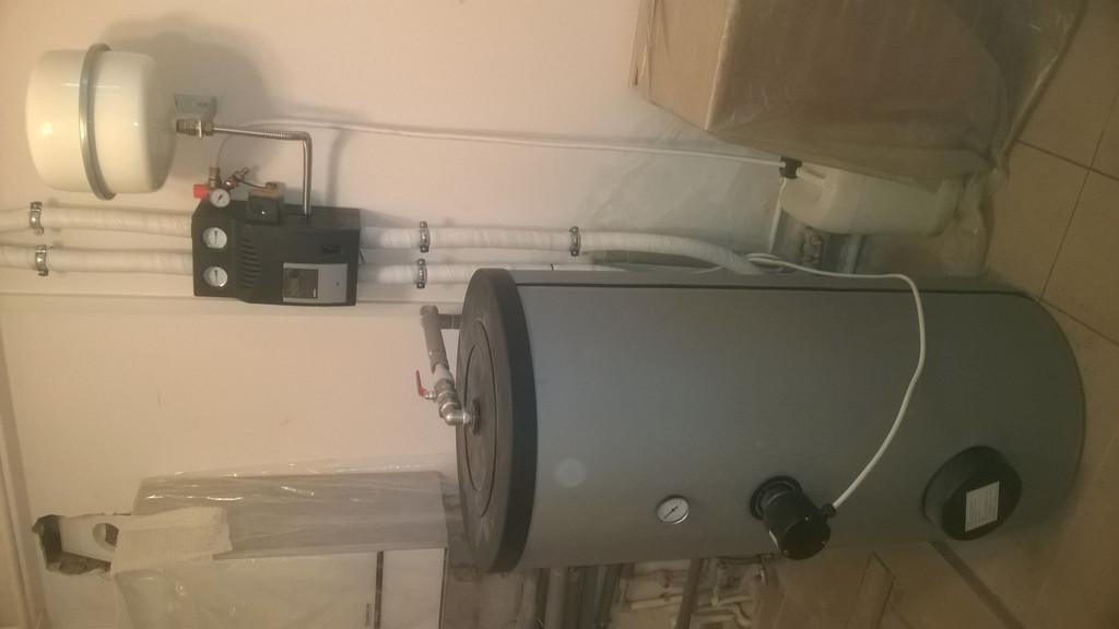 Бак-накопитель имеет один теплообменник и гарантированный нагрев будет осуществляться электрическим нагревателем.