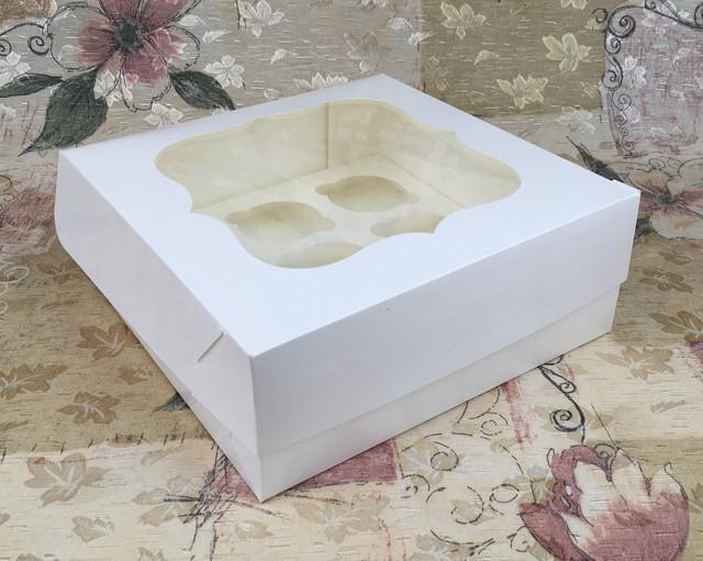 Коробочка для кексов с окошком