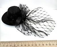 Женская шляпка заколка с вуалью черная