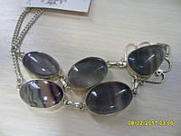 Ожерелье с натуральным флюоритом в серебре.