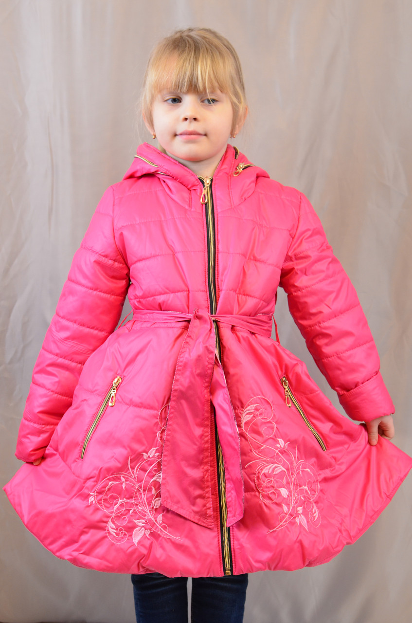 Красивое демисезонное пальтишко-плащ с вышивкой на девочку, р. 104,110,116