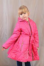 Красивое демисезонное пальтишко-плащ с вышивкой на девочку, р. 104,110,116, фото 2