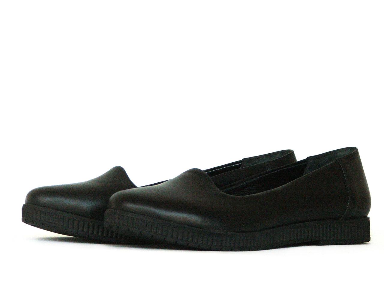 Черные туфли из кожи