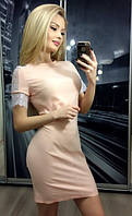Женское короткое платье с кружевным рукавом