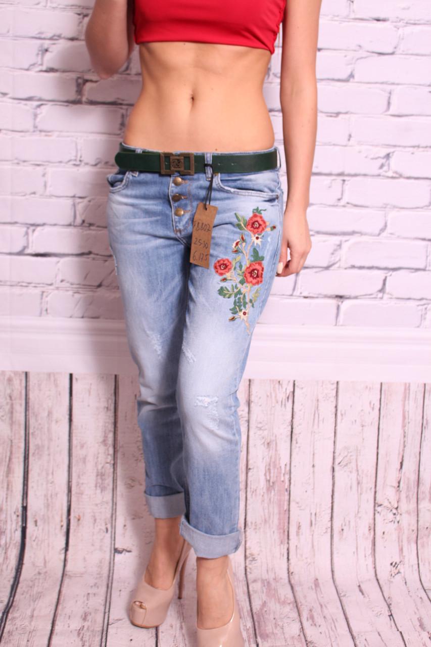 Женские турецкие джинсы бойфренды с вышивкой (код 8807)