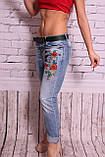 Женские турецкие джинсы бойфренды с вышивкой (код 8807), фото 2