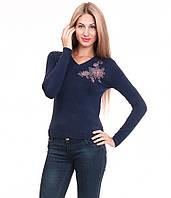 Свитер женский  вышивка розы синий