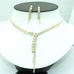 Стильные колье под золото с сережками. Женские комплекты бижутерии оптом от RRR.