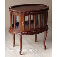 Овальный барний столик со стеклянными дверцами и деревянным подносом