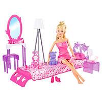 Кукла штеффиi в спальне с мебелью Simba