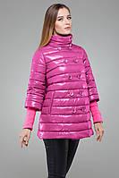 Красивая розовая демисезонная куртка с рукавом 3/4 и пуговицами в два ряда