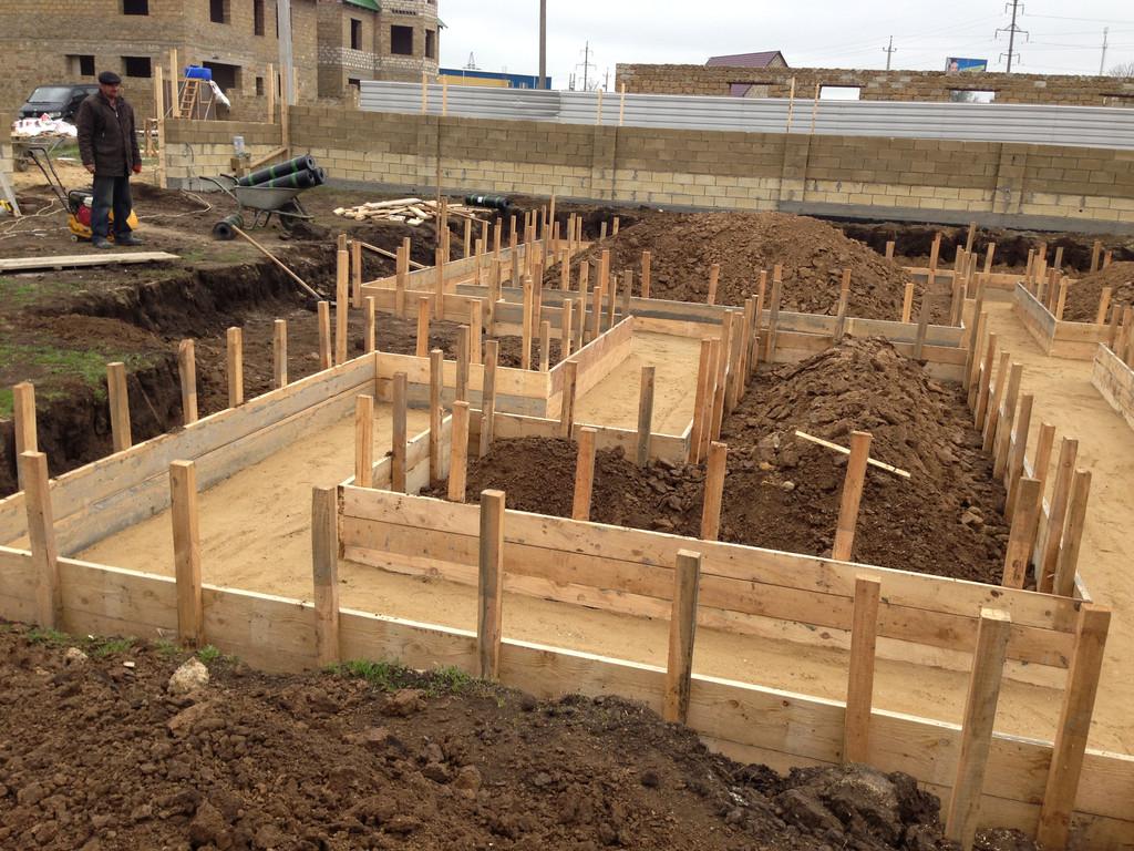Строительство фундамента ( Частный дом 250 м.кв.) 2