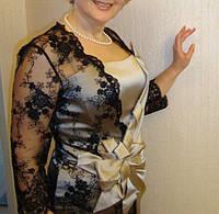 Черная кружевная накидка с рукавами на платье