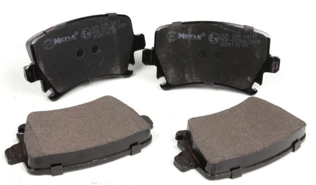Задні гальмівні колодки VW Caddy III 04-