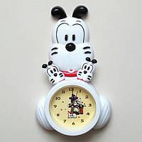 """Часы настенные и настольные """"Собачье семейство"""" с маятником."""
