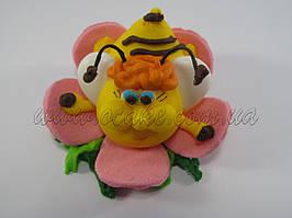 Пчелка на цветочке
