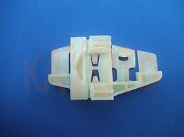 Каретка направляющая стеклоподъемника Citroen C3 2002-2009 задняя правая дверь