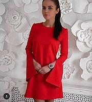 Платье красного цвета мини с разрезом на рукаве