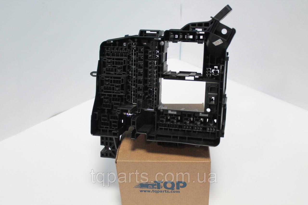 Корпус блока предохранителей (токораспределительная коробка), Корпус блока предохранителей Hyundai 91213-2P530, 912132P530