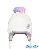 Красивая детская шапочка для девочки с яркими помпонами, BARBARAS (Польша)