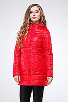 Качественная женская куртка-плащ красного цвета