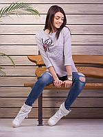 Яркая модная молодежная кофточка декорирована паучком