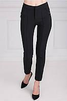 Женские брюки с прошитыми стрелами черного цвета