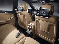 Установка аудио-видео аппаратуры в Mercedes-Benz W221
