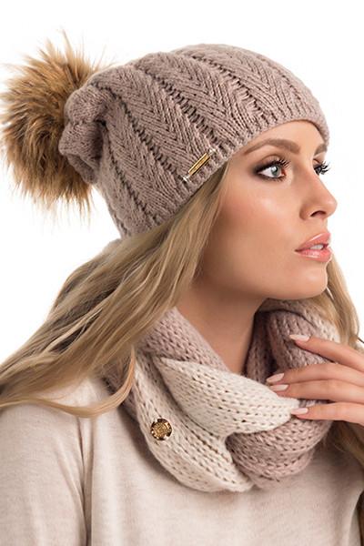 Красивая вязаная женская шапка с меховым помпоном Miriam Pawonex Польша.
