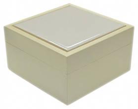 Шкатулка маленькая с белой плиткой из натурального дерева