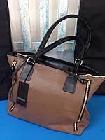 Кожаная сумка с декоративными молниями