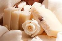 Мыло скраб для сухой кожи с белой глиной Белая роза