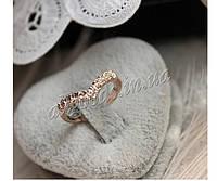 Кольцо v-образное с камнями