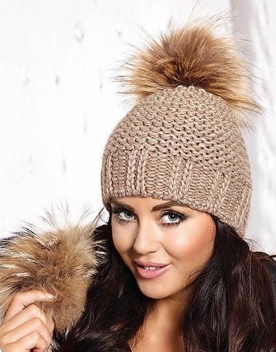 Красивая польская теплая вязаная женская шапка с пайетками.