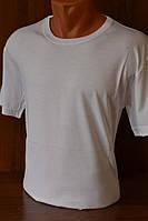 Классическая белая футболка