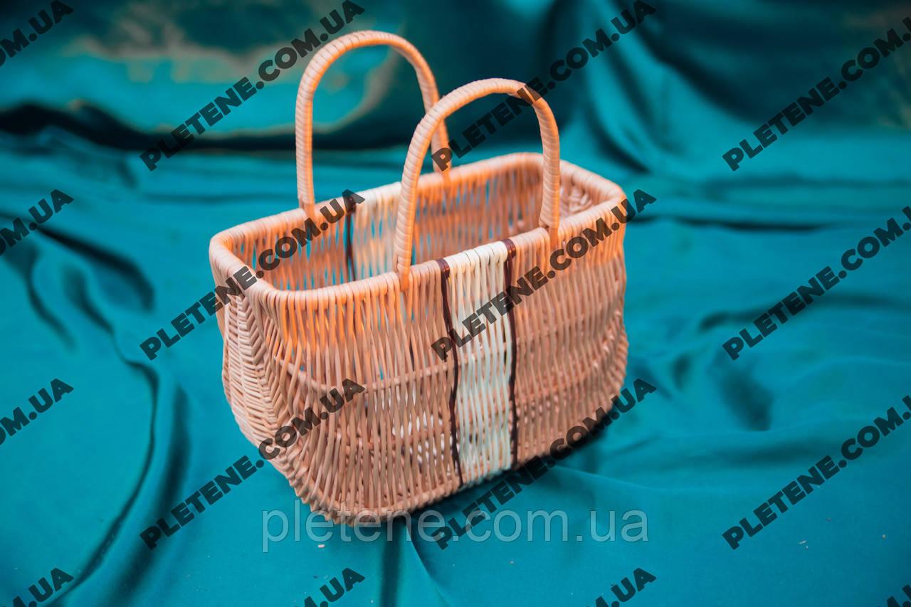 Плетеная сумка из лозы маленькая