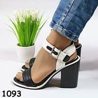 Босоножки женские на каблуке черно-белые 1093