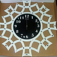 Часы настенные с стразами.