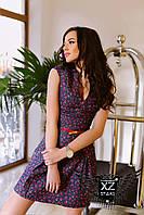 Джинсовое платье выше колена в красную мелкую розочку
