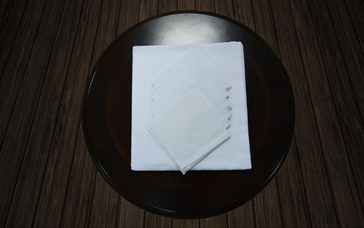 Комплект столовый белый (120*145)