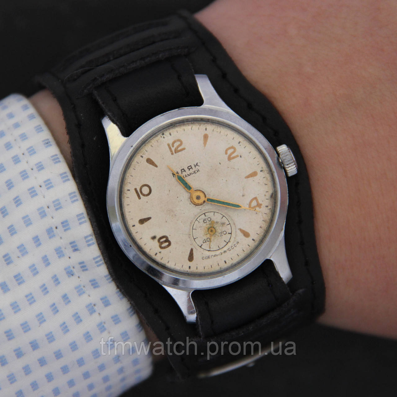 Купить часы с маяком купить часы настольные в украине