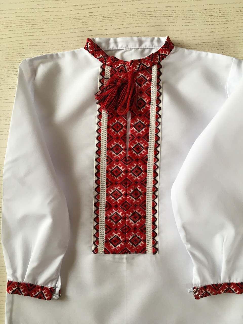 Сорочка біла вишита хрестиком ручної роботи для хлопчика на 2 роки ... 06cf3fc730c02
