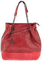 Яркая вместительная женская сумочка с перфорацией на лицевой части art. 824 красная
